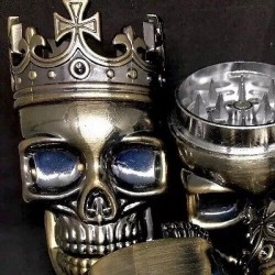SKULL SHAPED 3 LEVEL HERB GRINDER W/ BOTTOM CATCH BIN 4 ALL SPICES& MEDICAL HERB